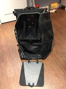 Hockey wheelie bag