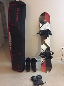 90% new Snowboard with new Ski bag and boots