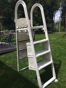 Echelle de piscine - Pool ladder