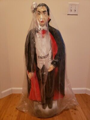 "Union new, old stock Bela Lugosi Dracula Vampire Blow Mold 42"""