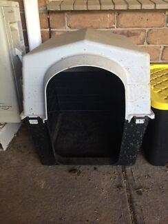 Small dog kennel Morphett Vale Morphett Vale Area Preview