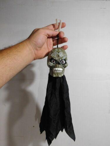 VTG Gemmy Halloween Hanging Red Lighted Eye Talking Motion Sensor Animated Skull