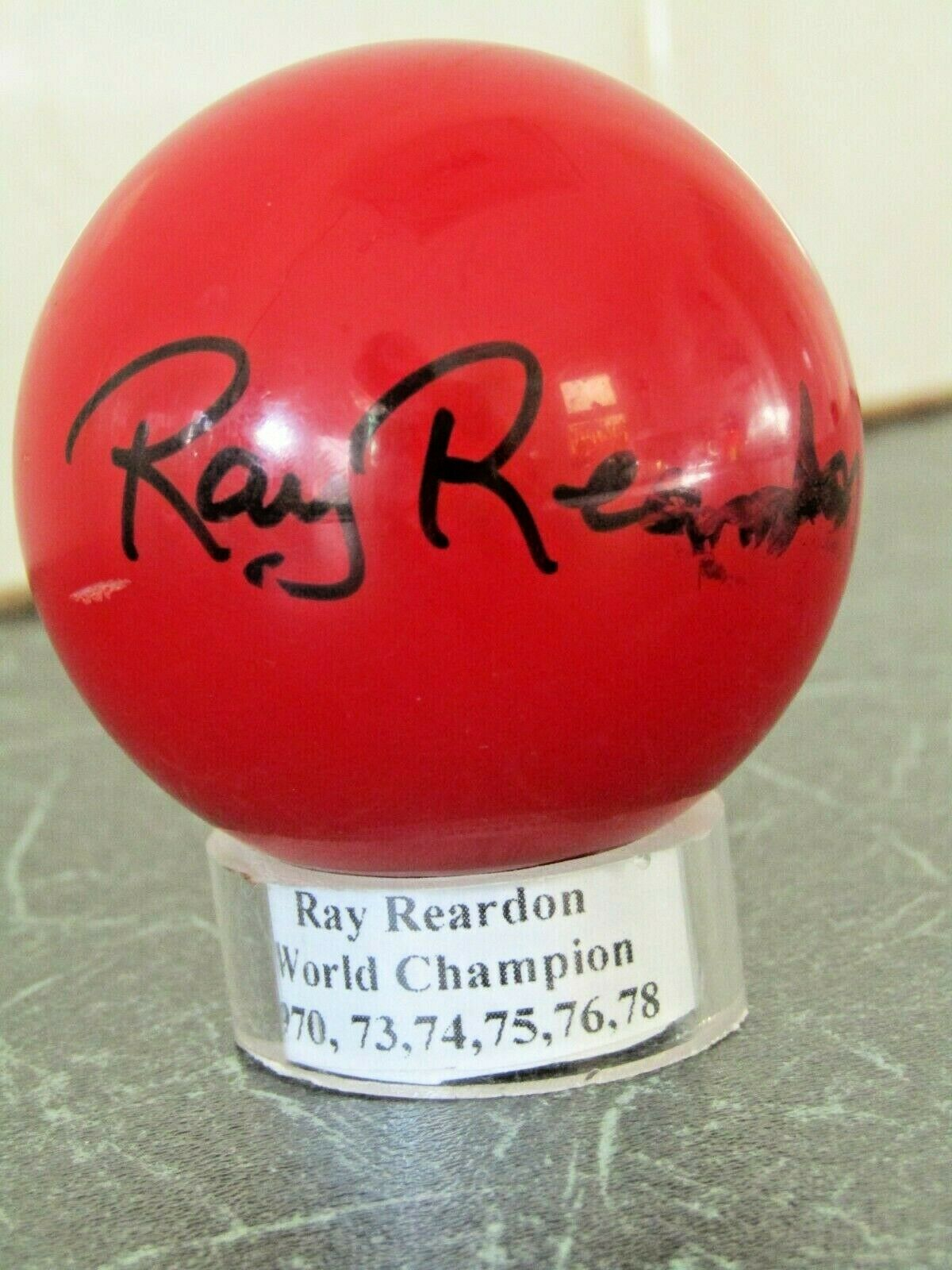 SNOOKER BALL Autographed by RAY REARDON, World Champ1970,73,74,75,76,78 c2005/6