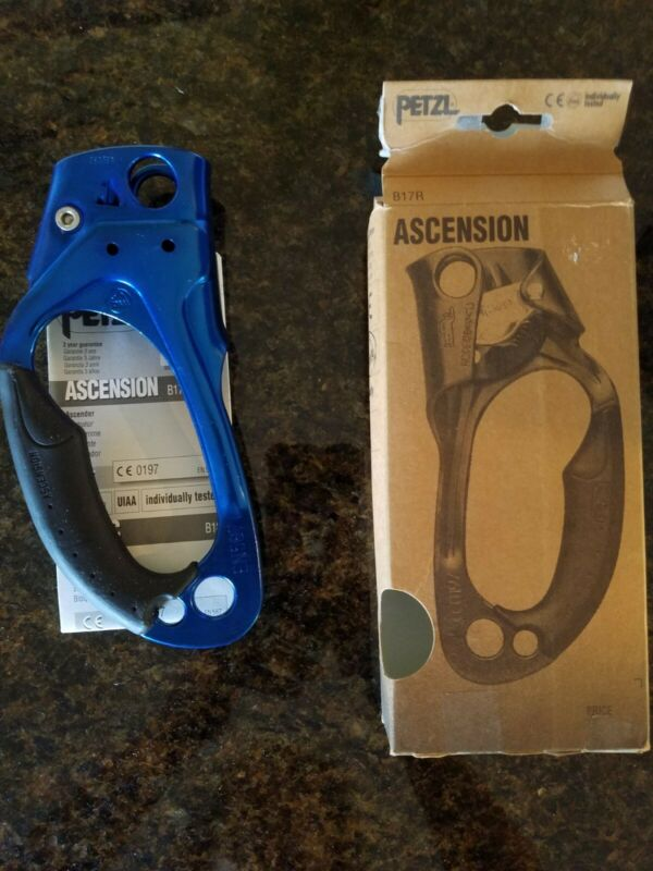 Petzl Ascension Ascender Rope Clamp Carabiner Blue Right Hand B17R -New Open Box