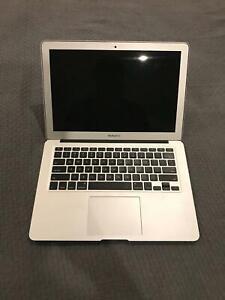 Apple MacBook Air 13.3 - Mid 2013 (i7, 8 GB ram, 256 GB SSD)
