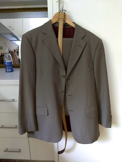 Mens suit size 40