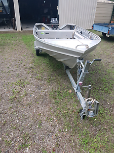 Boat and trailer and acc Dundowran Fraser Coast Preview