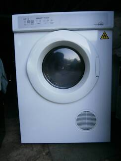 CLOTHES DRYER - LARGE FAMILY SIZE - in excellent condition! Woodridge Logan Area Preview