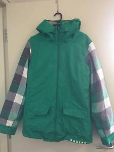 fa96fc688f Oakley Medium Green Snow  47 Ski Jacket ladies