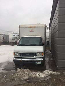 2006 Ford e450 with 16 ft box