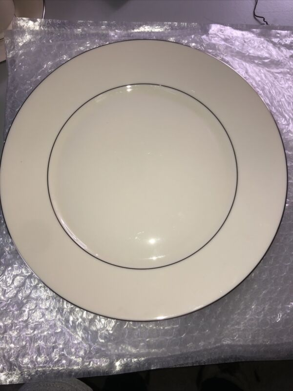 Lot of 8 Lenox China MAYWOOD Dinner Plates EXCELLENT