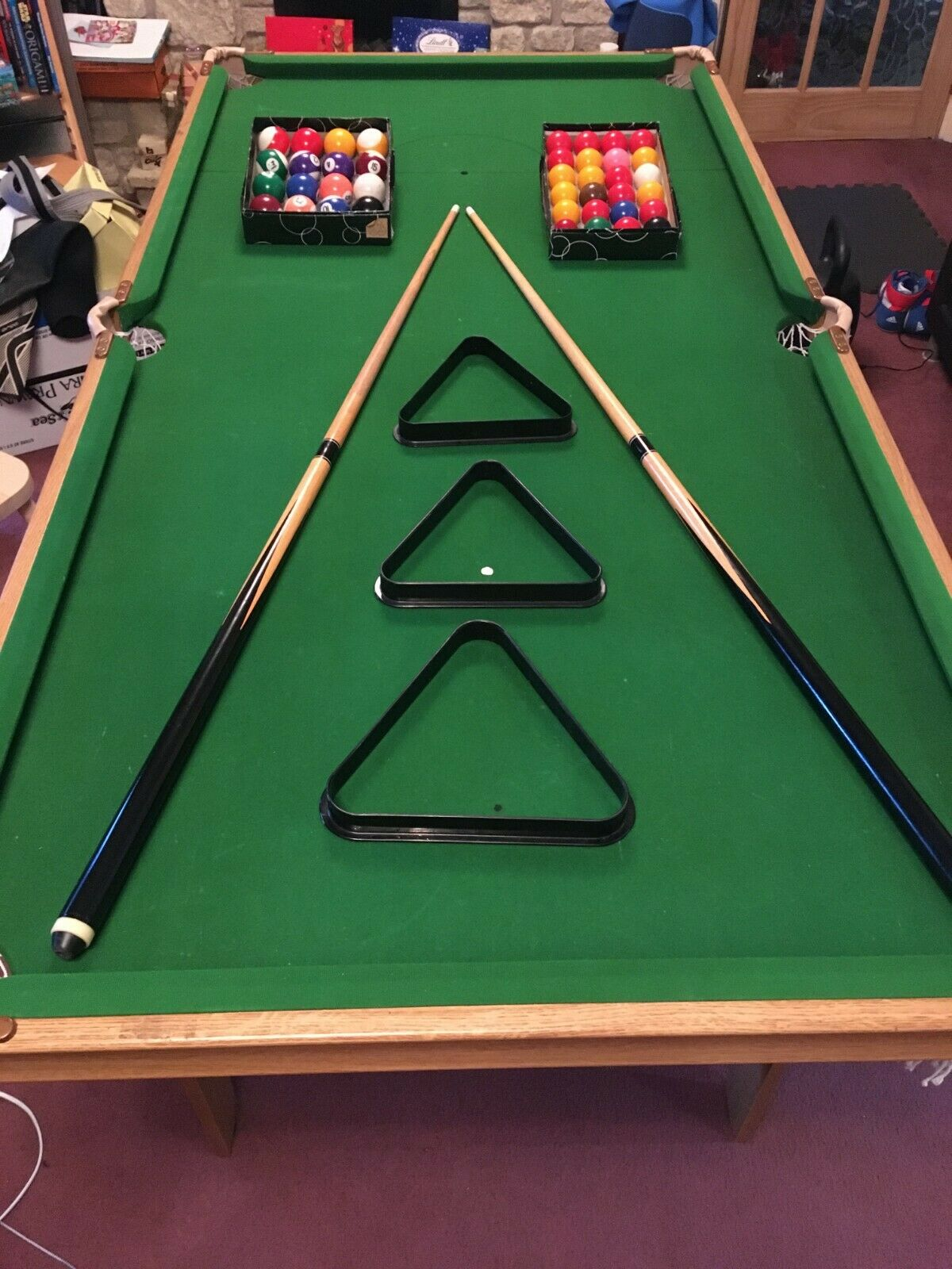 BCE 6FT FOLDING POOL TABLE - 2 x CUES, SNOOKER/POOL BALLS. TRIANGLES *COLLECTION