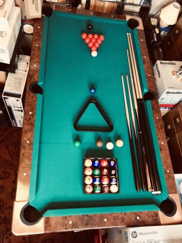 Snooker/Pool Table 6ft with Ball Return and Cues
