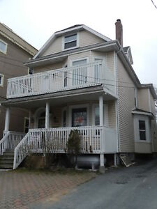 1669 OXFORD STREET UPPER FLAT CLOSE TO DALHOUSIE SEPT 1ST