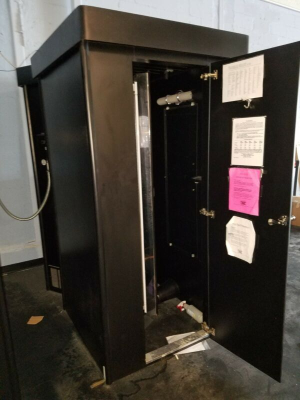 HEXII Commercial Standing Tan Booth & bulbs - changing room - used - works well