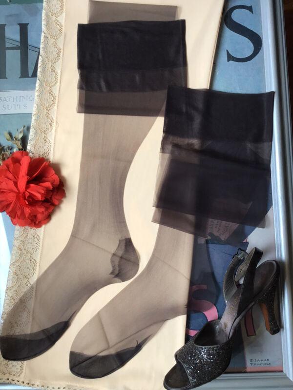 "vintage nylon stockings - seamless mesh RHT Nylon - 10/10.5 34"" Long"
