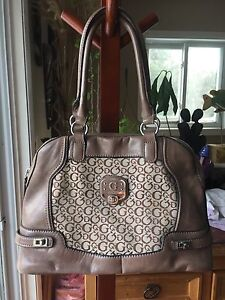Guess leather shoulder bag