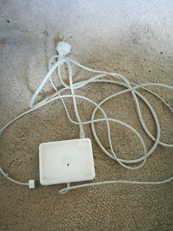 Apple 85W power adapter