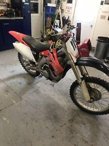 2006   CRX 450r Honda Dirt Bike