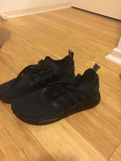 Adidas nmd triple black replica