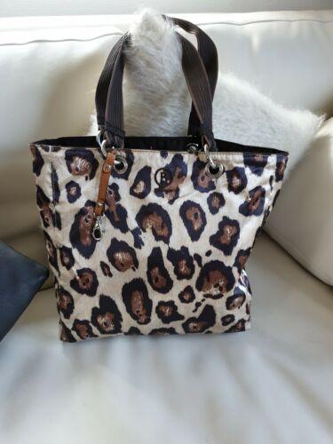Umwerfende 2 in 1 Bogner Tasche - entweder in brau oder leo look :)