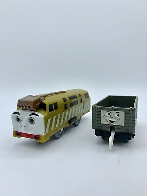 DIESEL 10 Thomas & Friends Trackmaster Motorized Train TOMY W/ Troublesome Truck