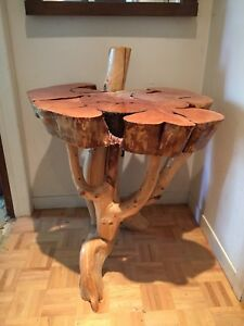 Table artisanale en bois
