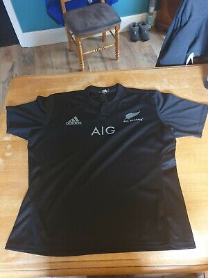 Adidas New zealand rugby shirt size XL. In perfect condition