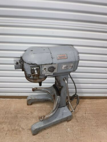 HOBART A-200T COMMERCIAL 20 QT BAKERY BAKING DOUGH MIXER 3 SPEED