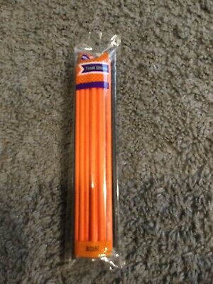 NWT WILTON HALLOWEEN TREAT STICKS 30 COUNT GREAT FOR CAKE POPS OR CHOCOLATE POPS](Halloween Cakepops)