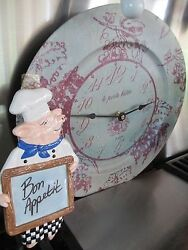 GRAPE  TIN   WALL CLOCK LE PETITE BISTRO WITH PIG  CHEF SPOON REST