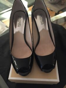 Michael Kors Black High Heels Shoes size 7