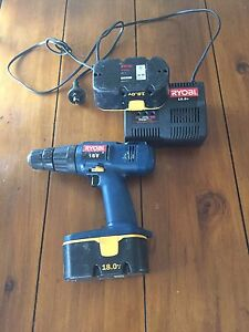 Ryobi 18 volt  drill with charger and 2 batteries  $40 Leumeah Campbelltown Area Preview