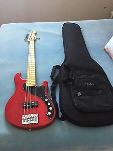 Fender Squire V Bass and gig bag