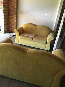 2 double seat couches Taringa Brisbane South West Preview