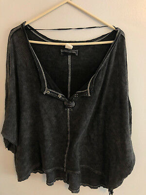 Free People First Base High Low Henley Black                          M5e2