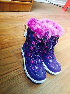 Brand New  -20*C Thermal Girls Winter Boots-Size 2