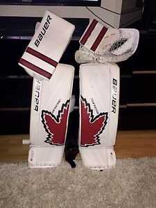 Bauer Supreme S190 int. goalie pads,trapper,blocker 1year old