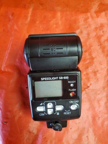 NIKON SB-600 AF SPEEDLIGHT FLASH FOR NIKON DIGITAL SLR CAMERAS