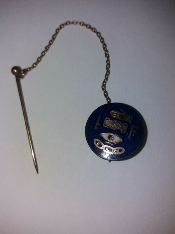ODD FELLOWS Pin Vintage Enamel and Gold
