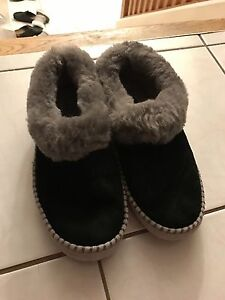 Ugg size 9 slippers