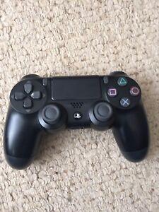 PlayStation 4 Controller + Final Fantasy XV Bundle