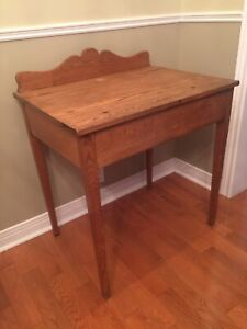 Antique Oak Desk - Lift Top w/ Storage - Compact Size