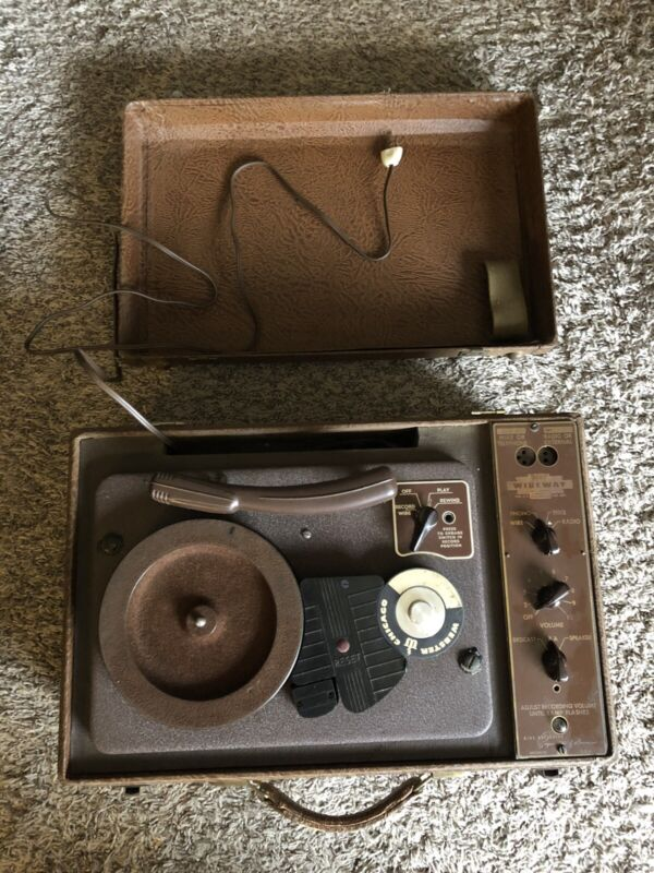 Wireway Magnetic Wire Recorder WP-7843 Tested Turns On And Spins w/Speakers