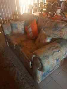Lounge 3 seater and 2 seater Leppington Camden Area Preview