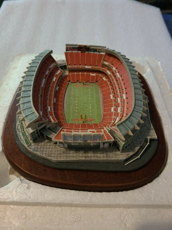 The Danbury Mint Cleveland Browns Stadium Cleveland Browns
