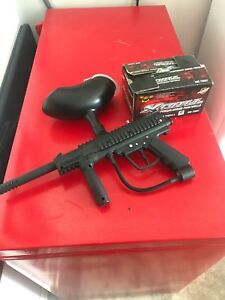 JT Paintball Gun with some paintballs