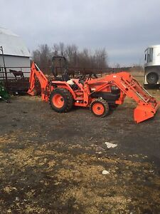 Kubota L3400 with backhoe and extras