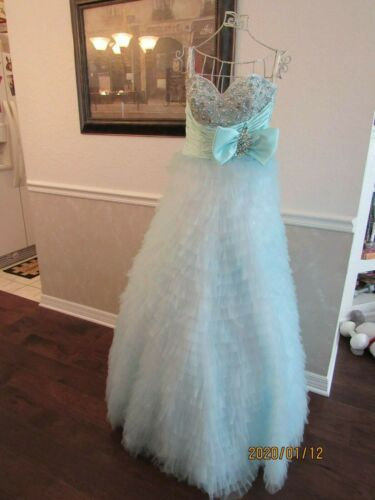 MAC DUGGAL COUTURE EVENING PROM GOWN SIZE 2  AQUA