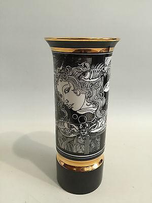 Porzellan Vase Frau mit Fischen Schwarz Weiß Design signiert